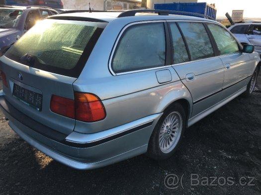 Prodám náhradní díly z BMW e39 520i 525i 523i 528i 530i 535i
